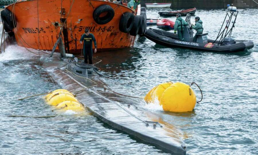 Narcosub Being Refloated