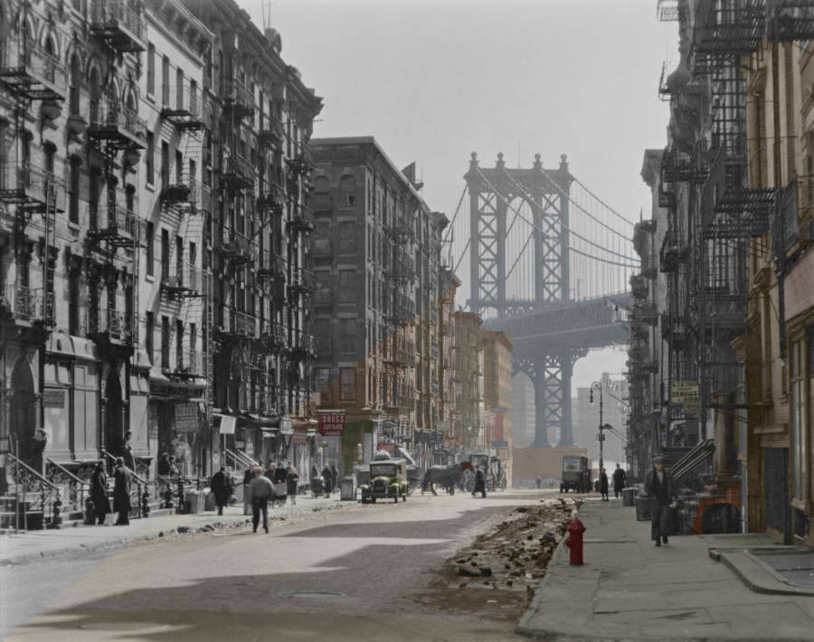Colorized Black And White Photo Of 1930s New York