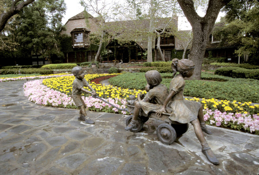 Child Statues At Neverland