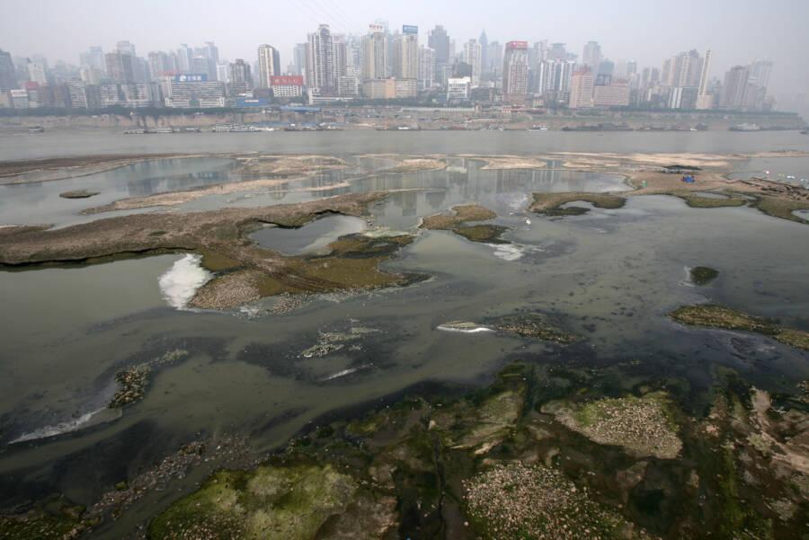 Chongqing Municipality Yangtze Pollution