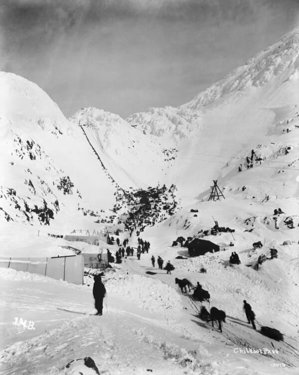 Gold Rush Klondikeers Climbing The Chilkoot Pass