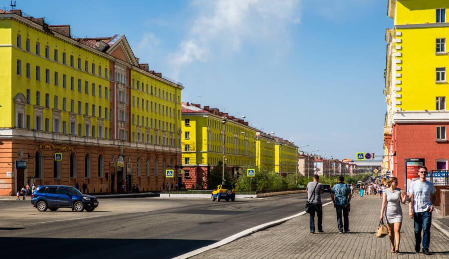 Street Scene Norilsk
