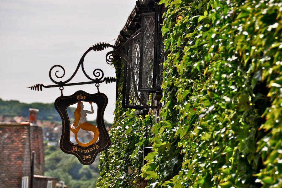 Mermaid Inn Sign