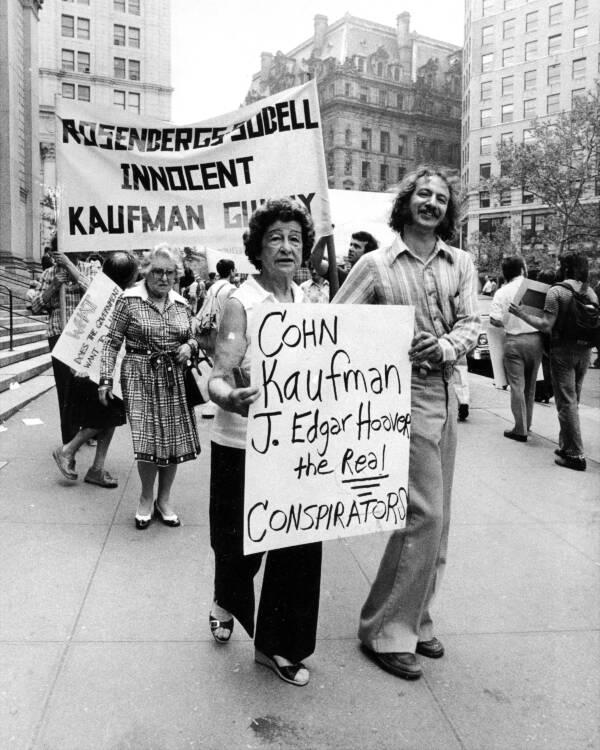 Protesting Ethel Rosenberg's Conviction