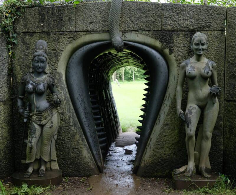 Vagina Dentata Entrance