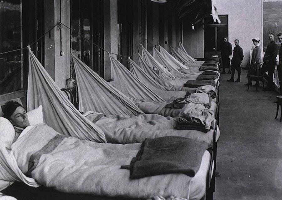 Bedridden Patients Of The 1918 Spanish Flu