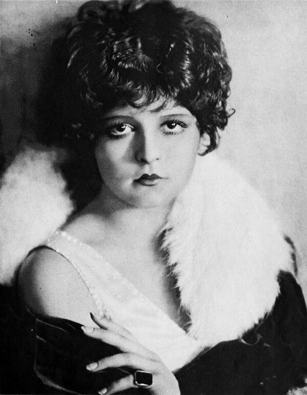 Clara Bow's Portrait