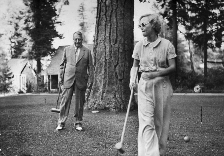 Marion Davies Playing Croquet With William Randolph Hearst