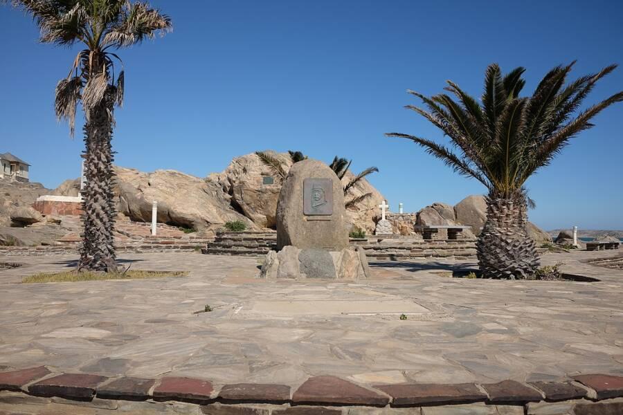 Memorial Of Shark Island