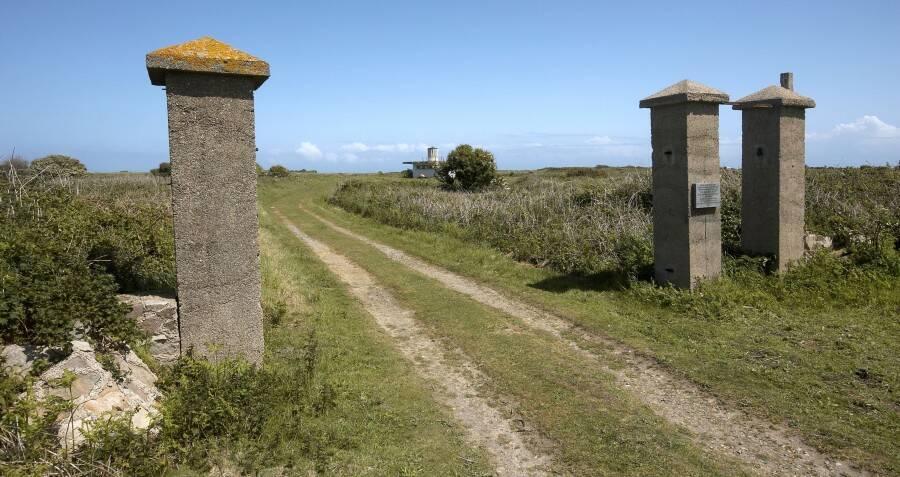 sylt-camp-gates.jpg