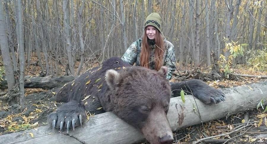 Alexandra Tyutcheva With Kamchatka Brown Bear
