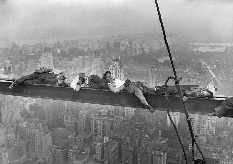 Construction Workers Of Rockefeller Center