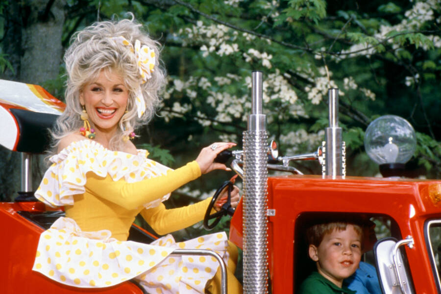Dolly Rides Dollywood Ride