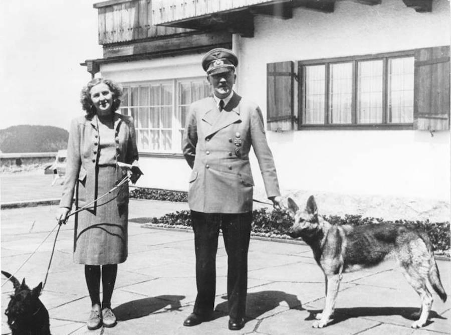 Eva Braun Adolf Hitler And Blondi
