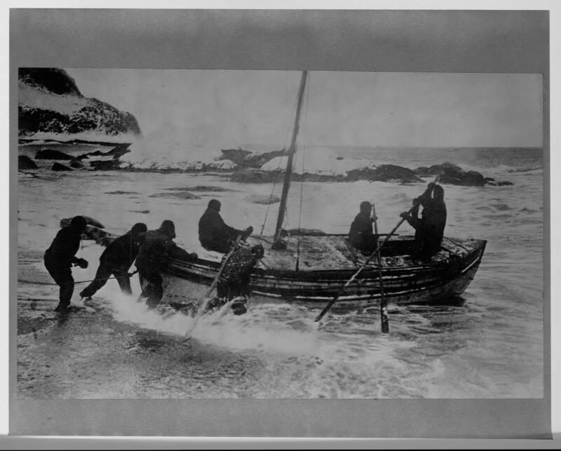 Shackleton Rescues Men