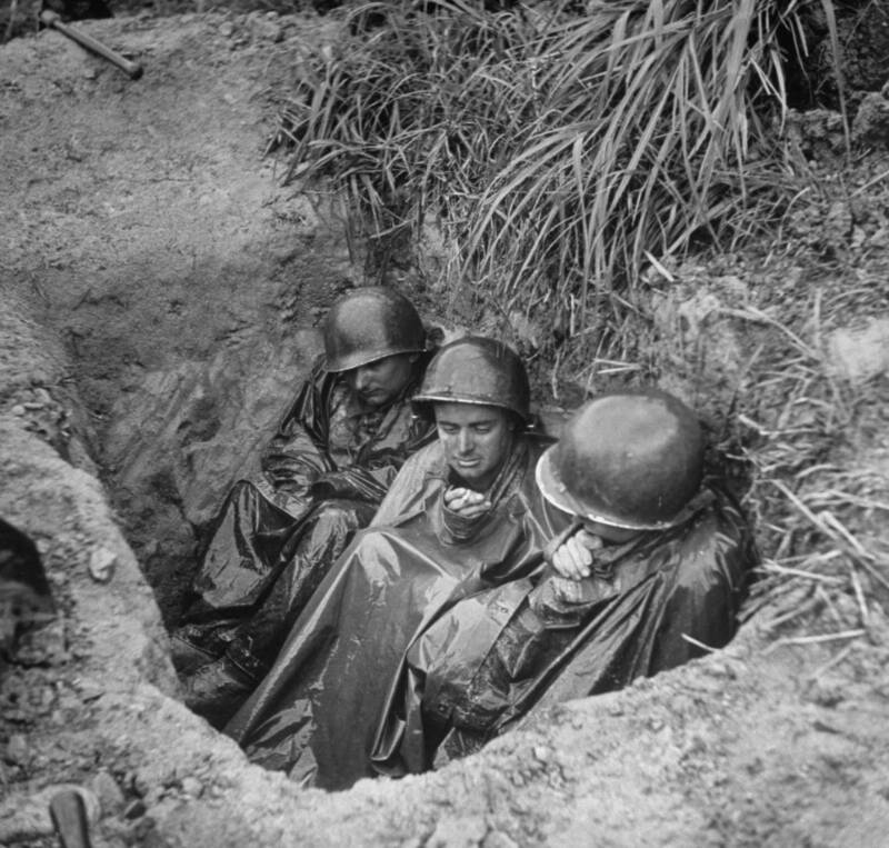 Okinawa Soldiers In Hole
