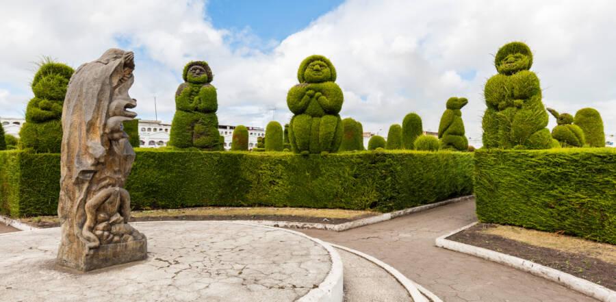 Topiary Figures Tulcan