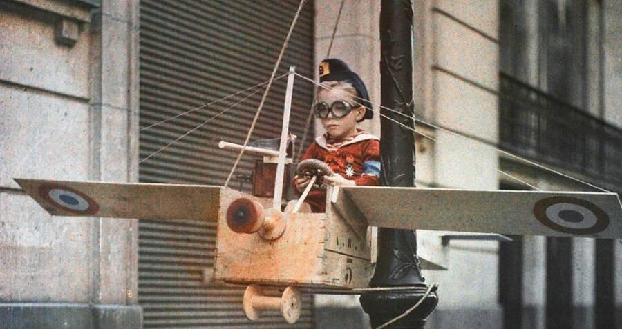 Boy Pilot Glasses Lamppost