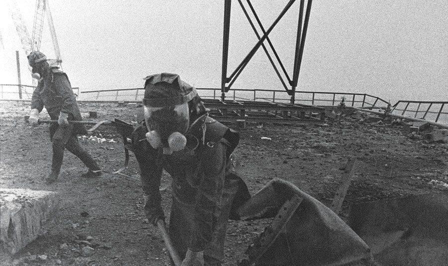 Limpeza de Chernobyl com pás