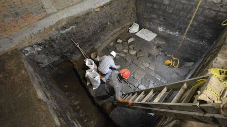 Experts Excavating Aztec Palace