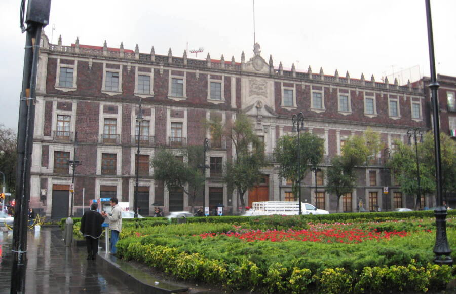Nacional Monte De Piedad Building