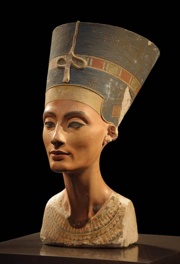 Nefertiti Bust At Neues Museum