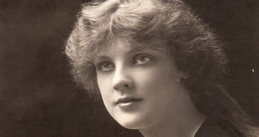 How Justine Johnstone Went From Silent Movie Starlet To Groundbreaking Scientist