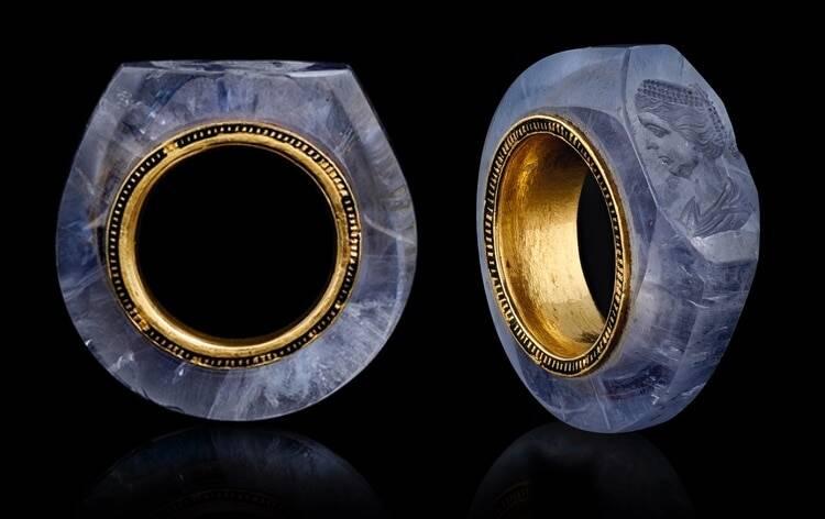 Sapphire Caligula Ring