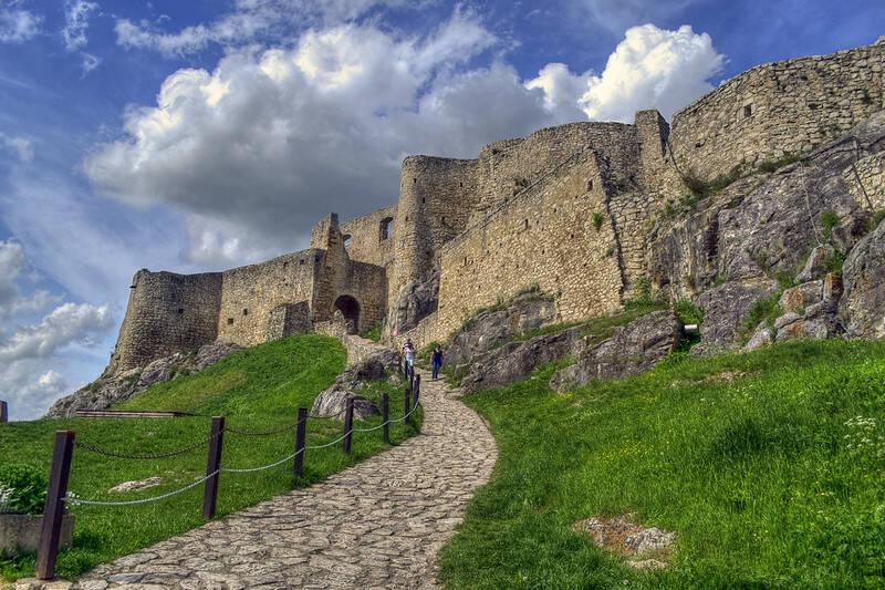 Path To Spiš Castle