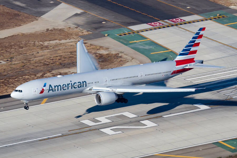 American Airlines Plane Landing In Los Angeles