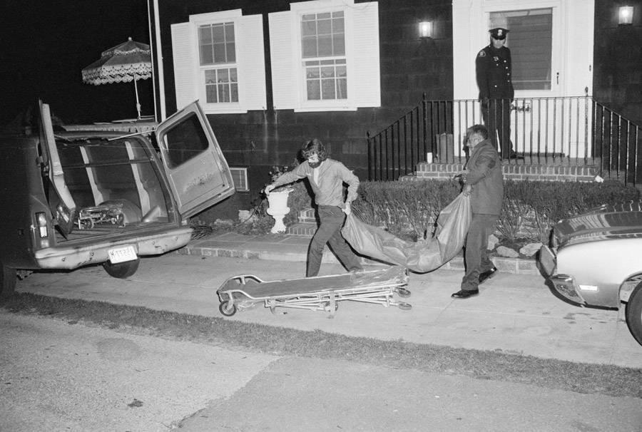 Casa di Amityville e corpi morti