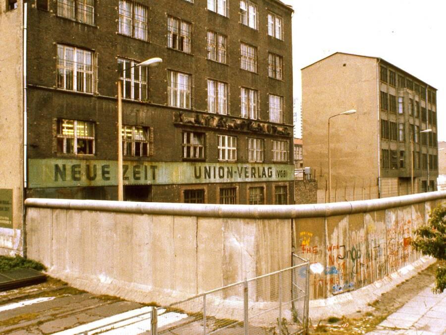 East Berlin Neue Zeit Newspaper Building And Berlin Wall