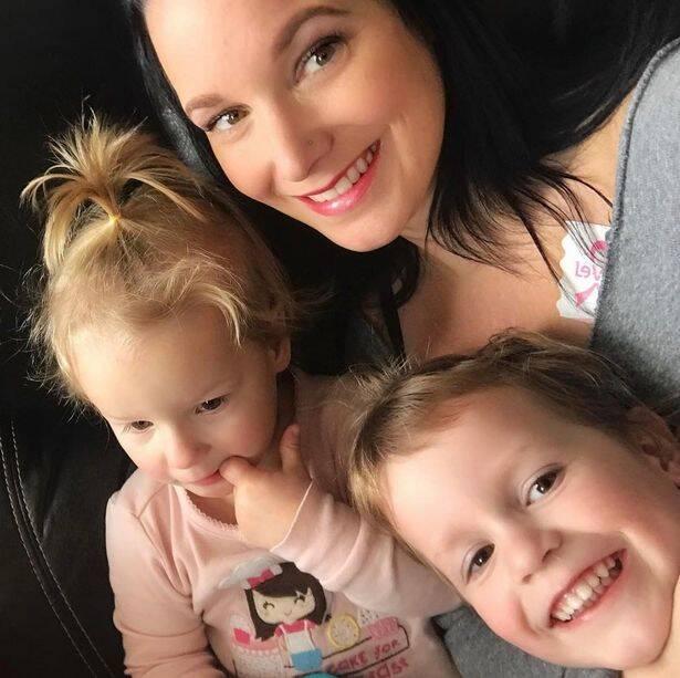 Shanann Watts With Her Children