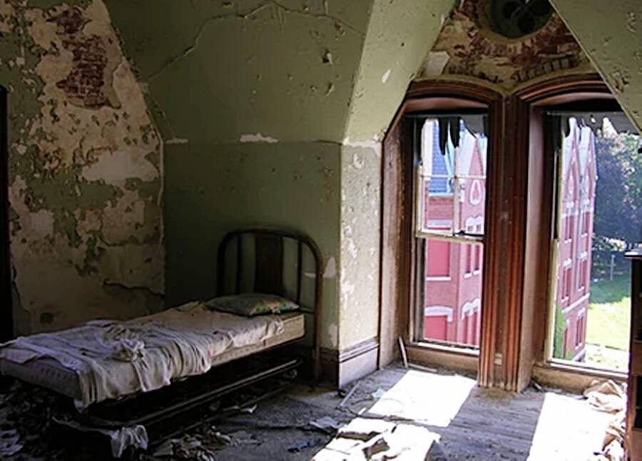 Bed At Danvers Lunatic Asylum