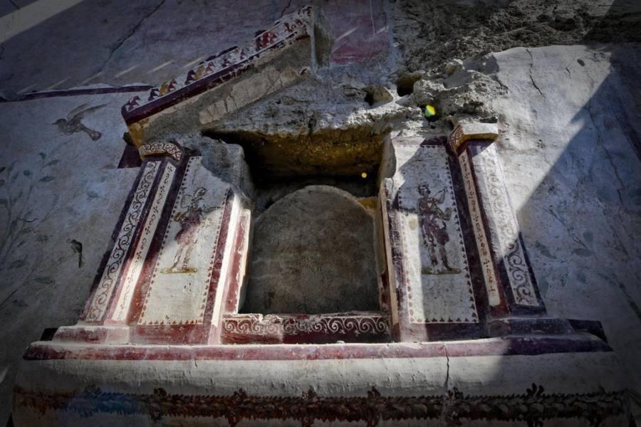 Pompeii Lararium