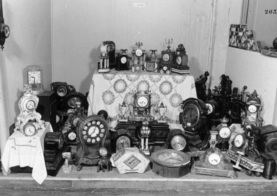Stolen Clocks At Lévitan