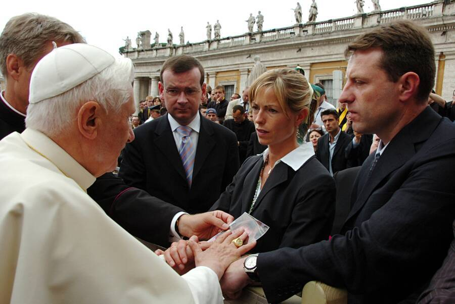 Gerry And Kate Mccann With Pope Benedict