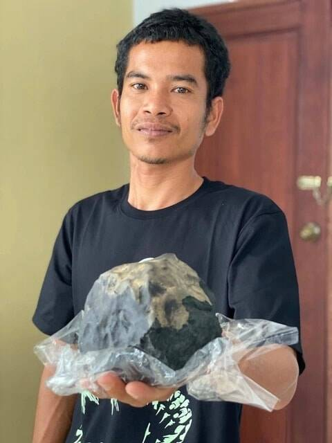Hutagalung With Meteorite