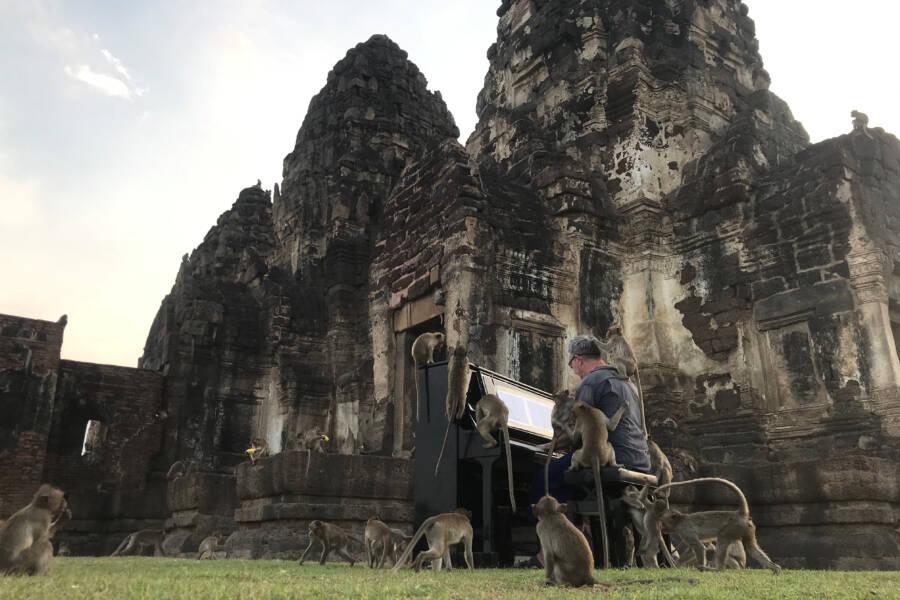 Paul Barton Playing At Hindu Temple
