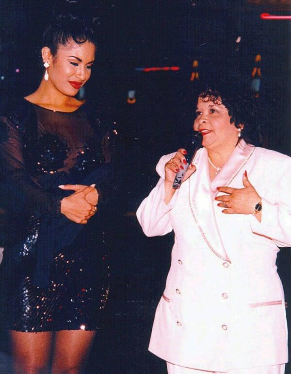 Selena Quintanilla And Yolanda Saldívar