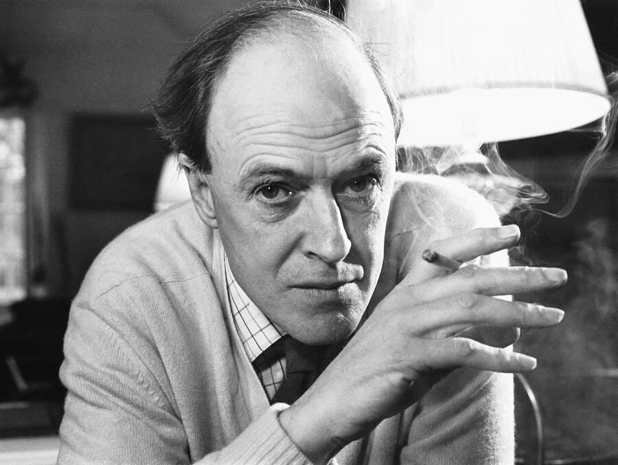 Roald Dahl Smoking
