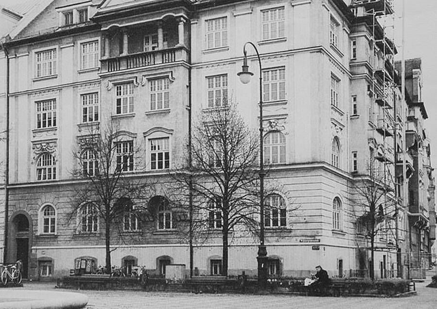 Blok Apartemen Alice Frank Stock