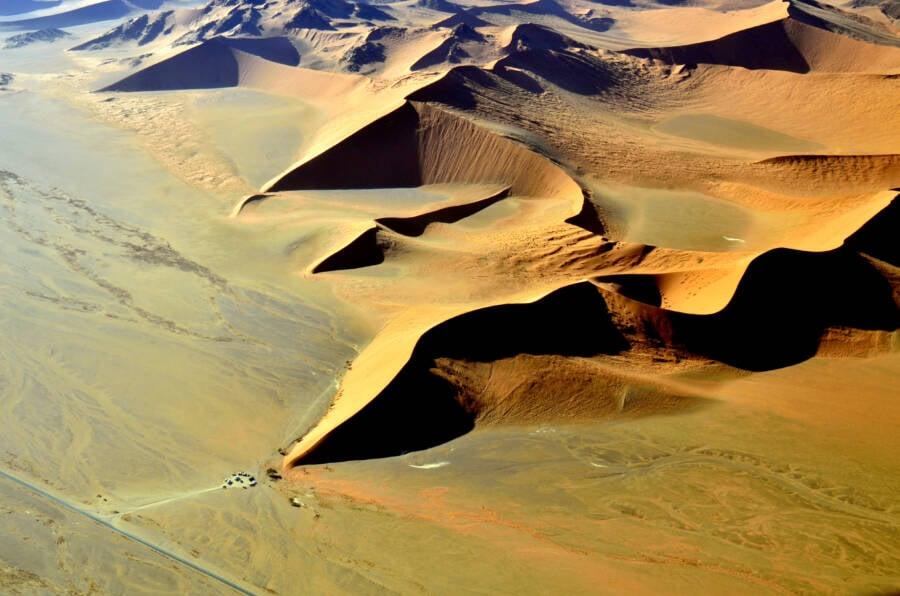 Desert Peaks Valleys