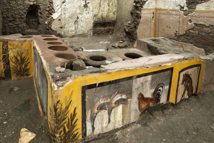Food Stand Found In Pompeii