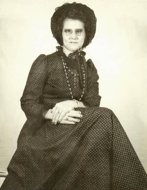 Young Helen Viola Jackson