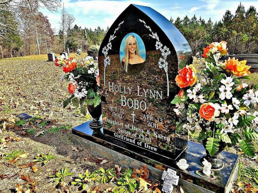 Holly Bobo Grave
