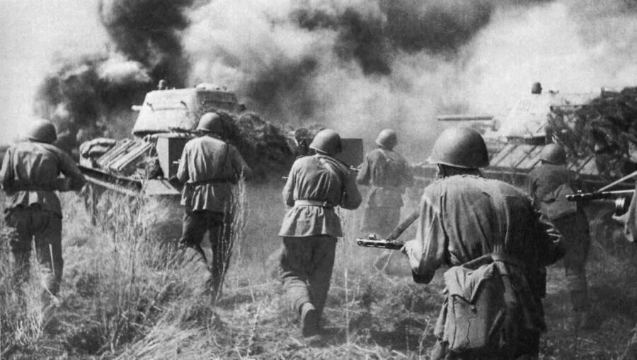 Soviet Troops At Kursk