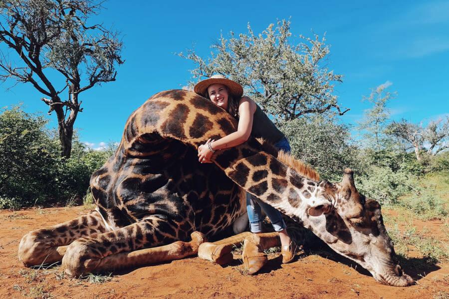 Merelize Van Der Merwe Hugging Giraffe