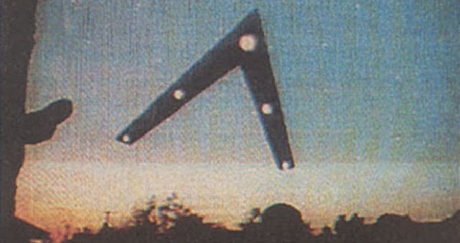 Were The Phoenix Lights Of 1997 A Visit From Another Galaxy — Or A Hoax?