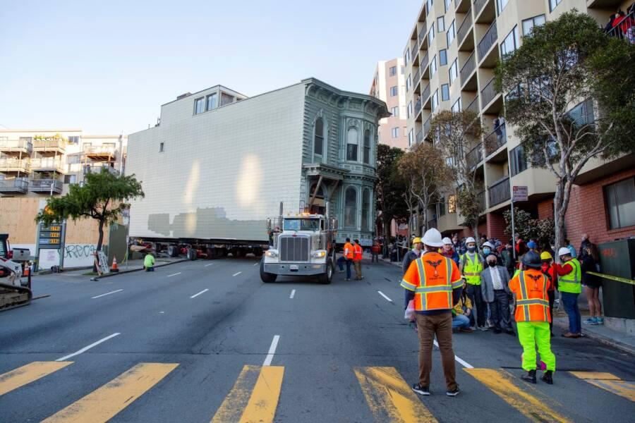 Transporting Victorian House Through San Francisco